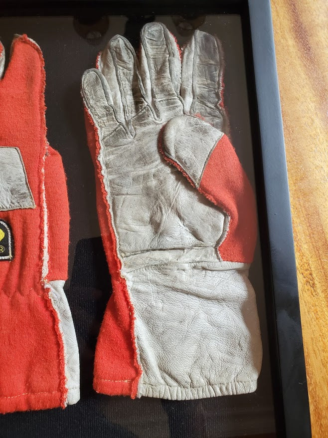 1993 Ayrton Senna race used gloves with COA - Formula 1 Memorabilia