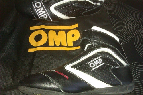 2013 Giorgio Pantano OMP race used signed shoes - Formula 1 Memorabilia