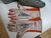 1982 Gilles Villeneuve race used gloves signed - Formula 1 Memorabilia