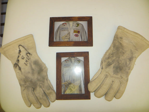 1973 Niki Lauda race used gloves signed - SOLD - - Formula 1 Memorabilia