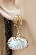 Load image into Gallery viewer, Sea Shells Love Earrings
