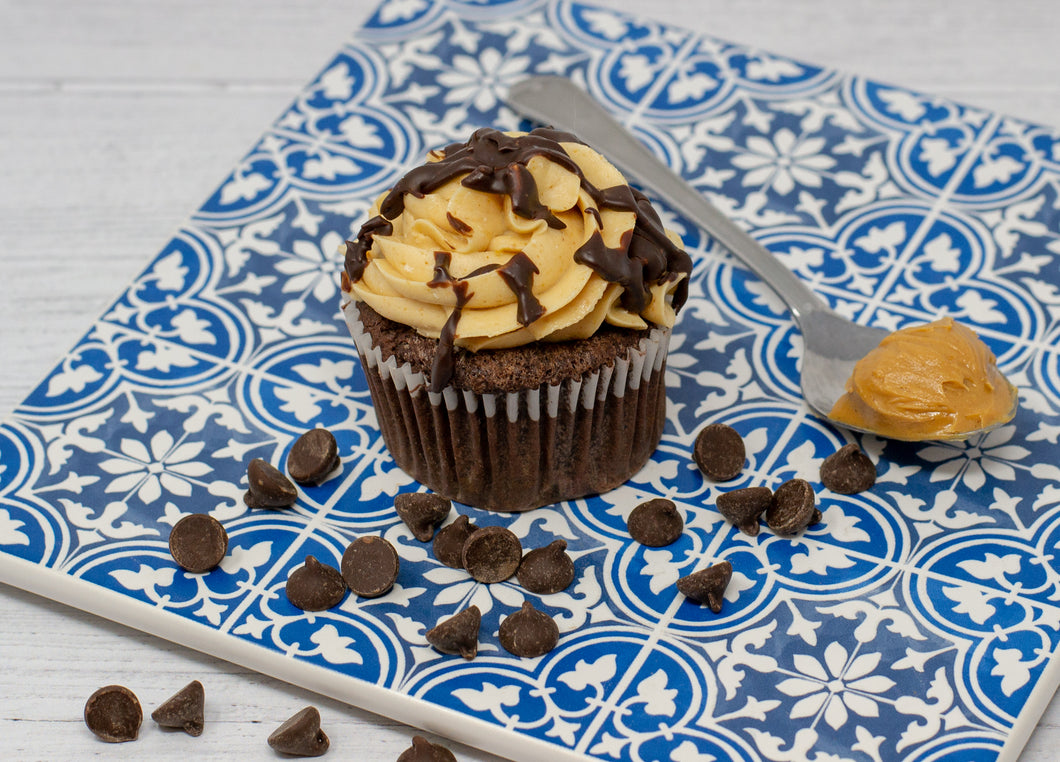 Peanut Butter Chocolate Cupcake 8-Pack