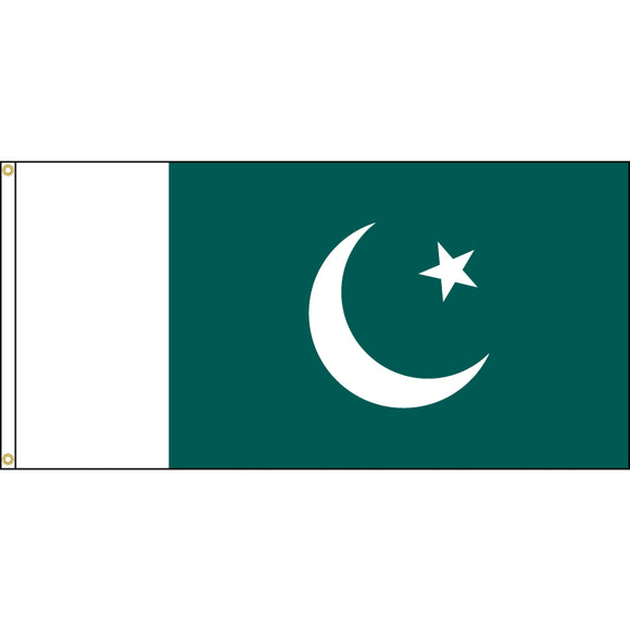 Pakistan Flag with header and grommets.