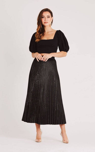 This is an Image of the Sia Pleated Velvet Midi Skirt with Gold Glitter Details in Black
