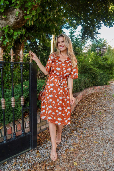 This is an image of Stylist & presenter Rosalind Lipsett wearing our Miriam Vintage Style Midi Dress