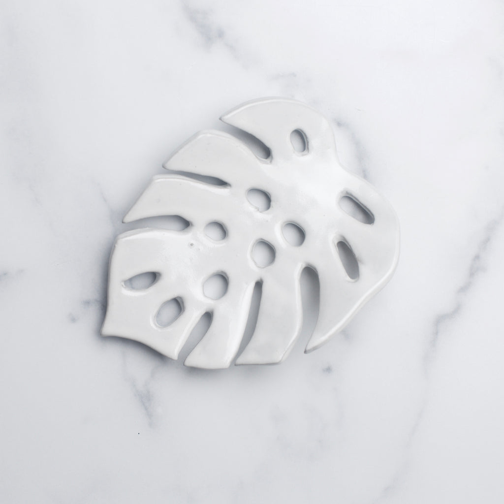 Ruby Farms – Monstera Leaf Soap Dish (White)