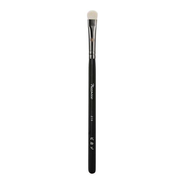 PICCASSO Makeup Brush New #239 (Fluffy Eyeshadow)