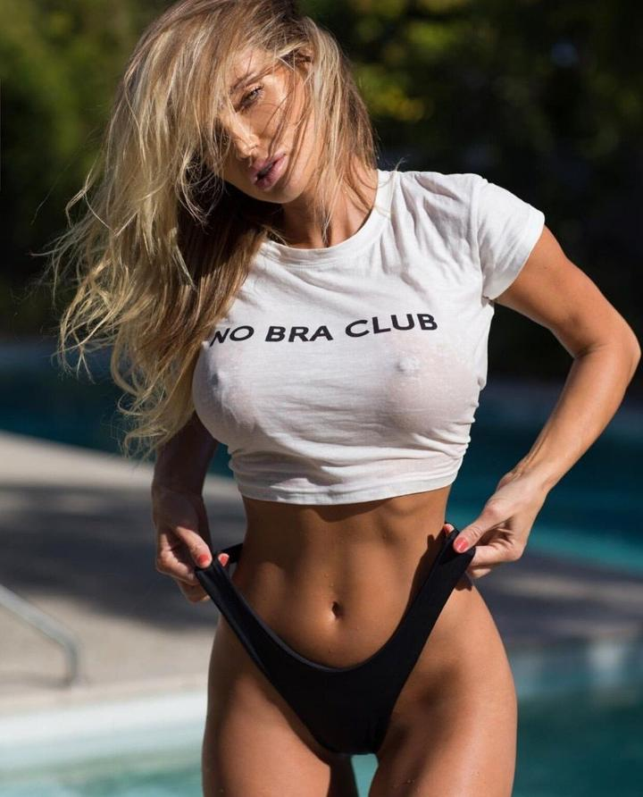 NO BRA CLUB Top