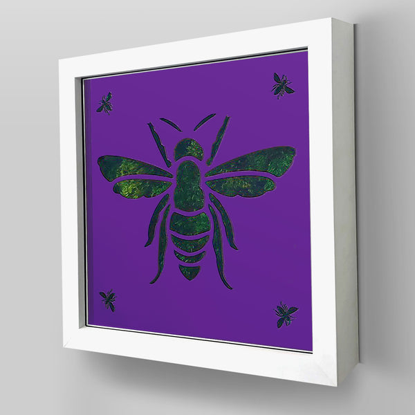 Nature-inspired ArtBox® collection combines real preserved moss and/or flowers with Bee inspired plexiglass design.