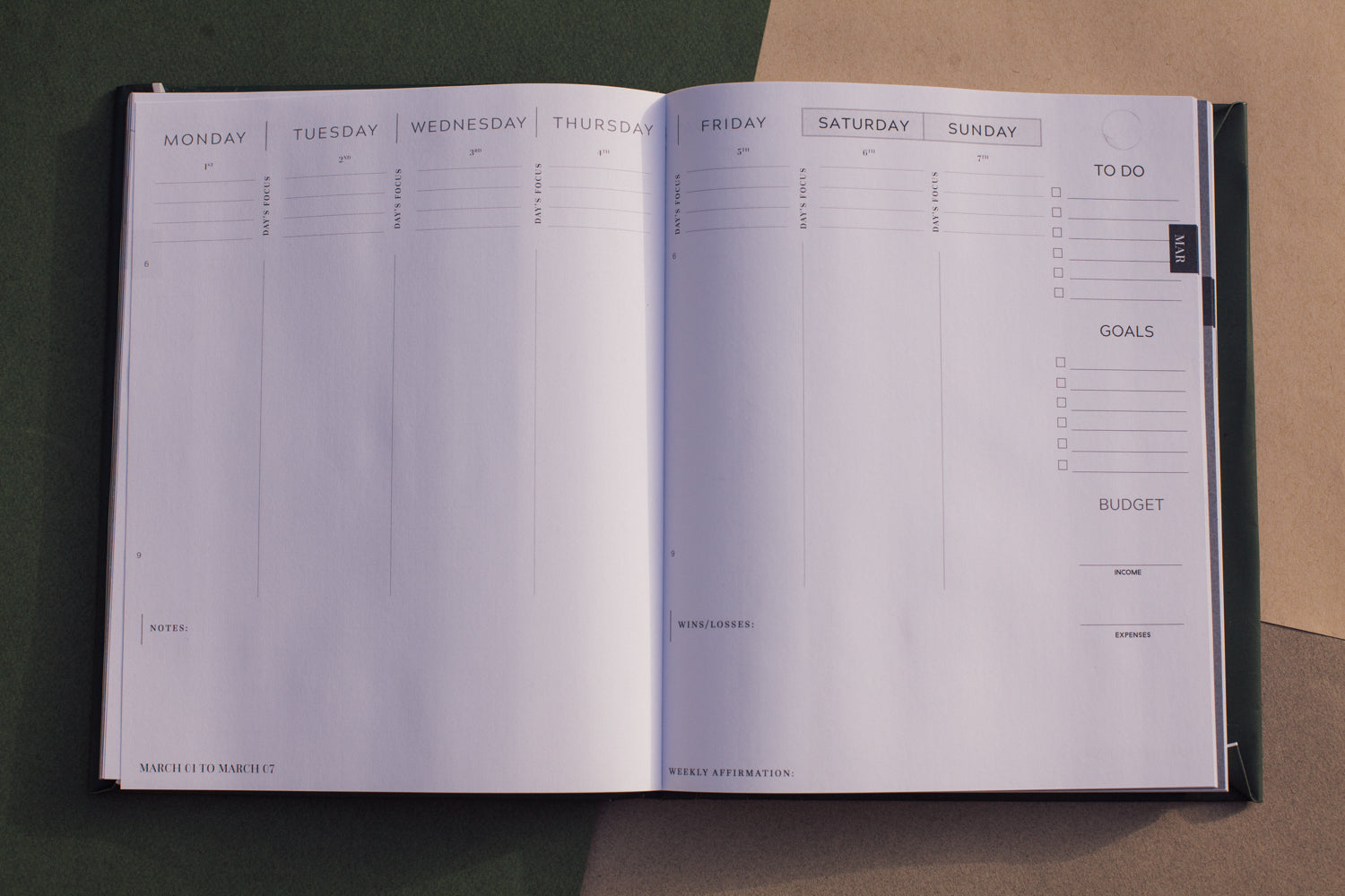 2021 Dated Annual Planner Weekly Spread