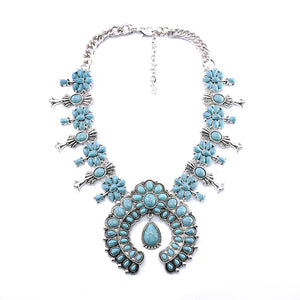 Shang Bo Xia Turquoise Flower Pendant Alloy Necklace