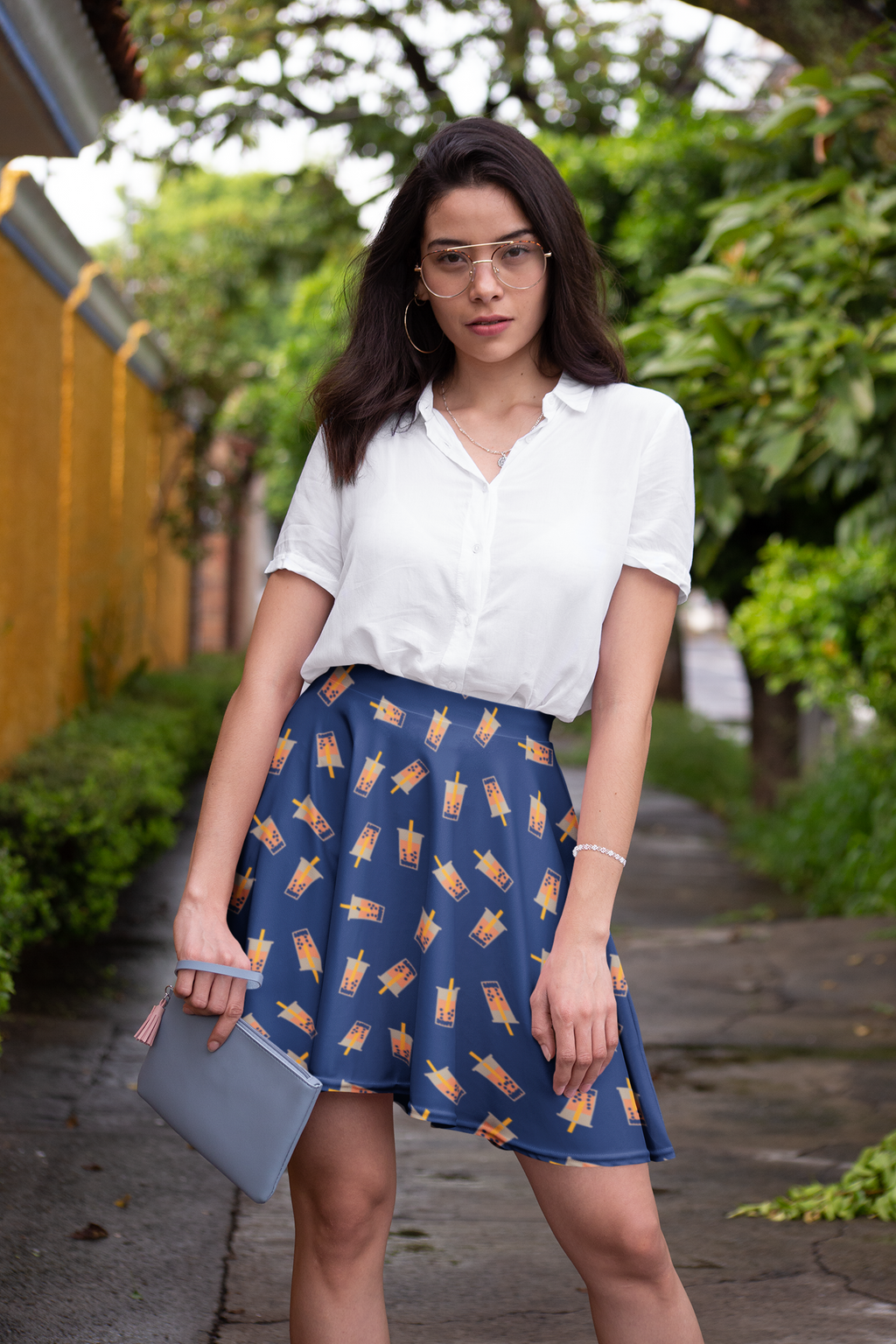 Fashionable woman wearing a boba skirt