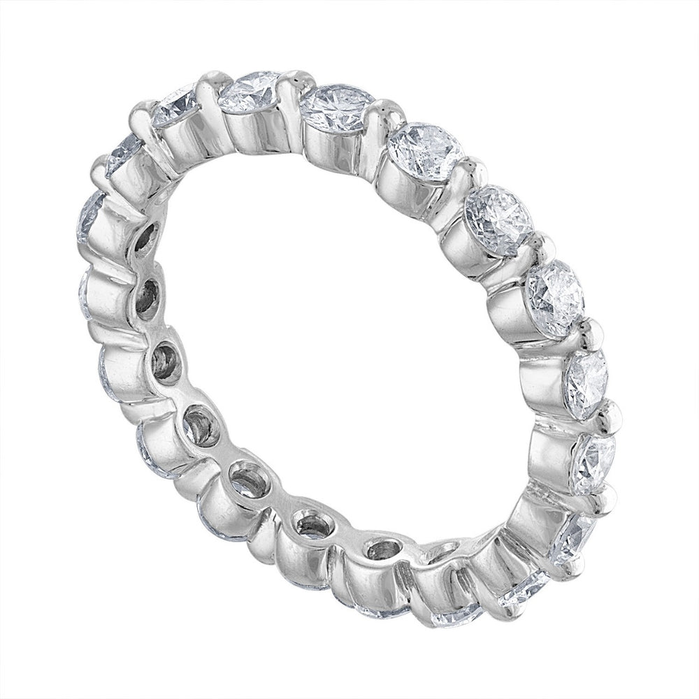 Shared Prong Round Diamond Eternity Band