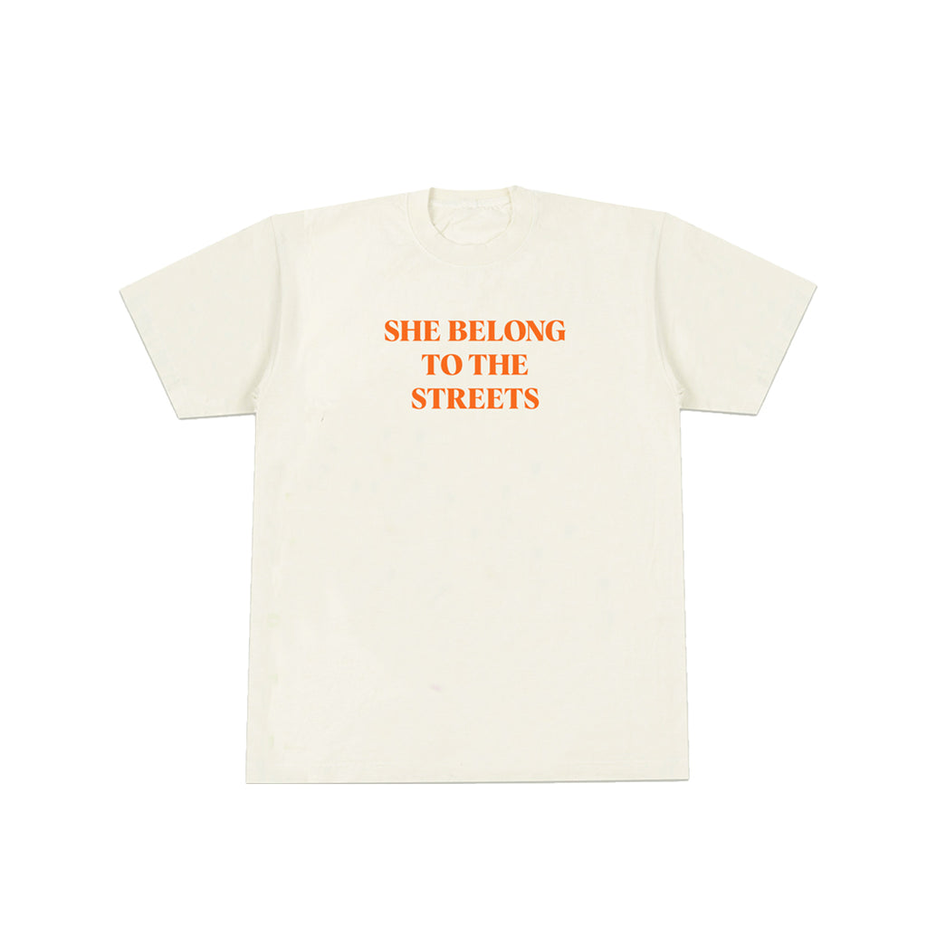SHE BELONG TO THE STREETS TEE (NATURAL)