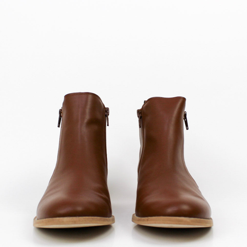 Journey Boots Tan
