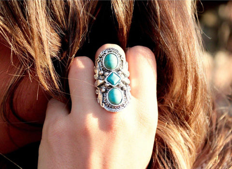 Beautifull Boundaries  - Turquoise 3 Stone Ring
