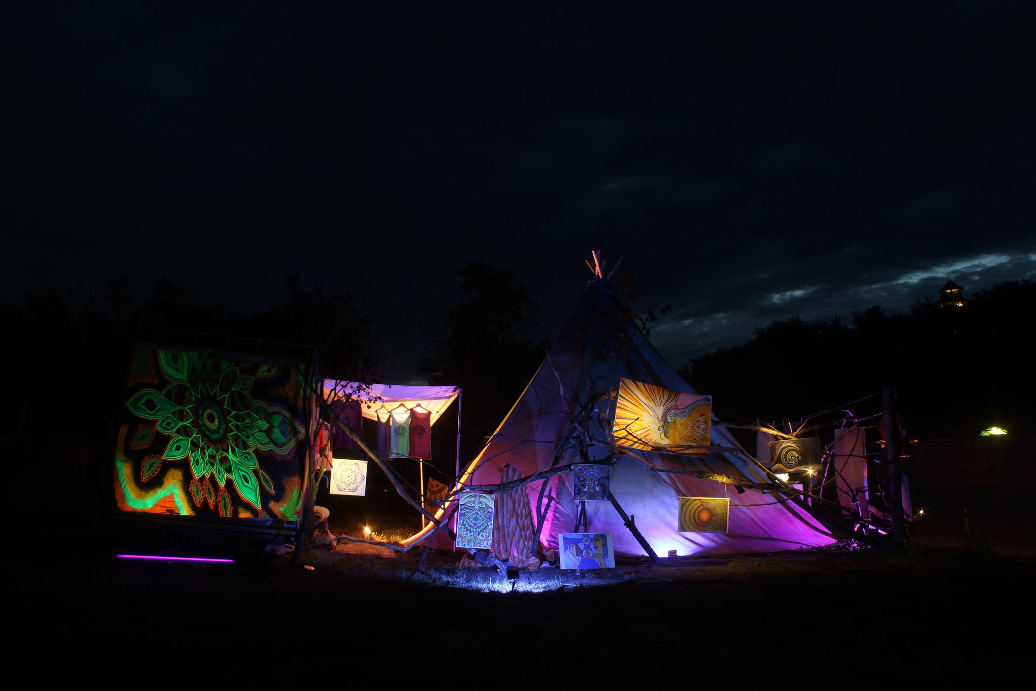 Gallery Tipi in the Night