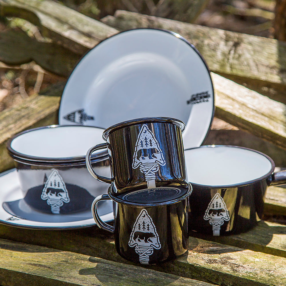 FEAST IN THE WOODS ENAMEL SET | ARROW