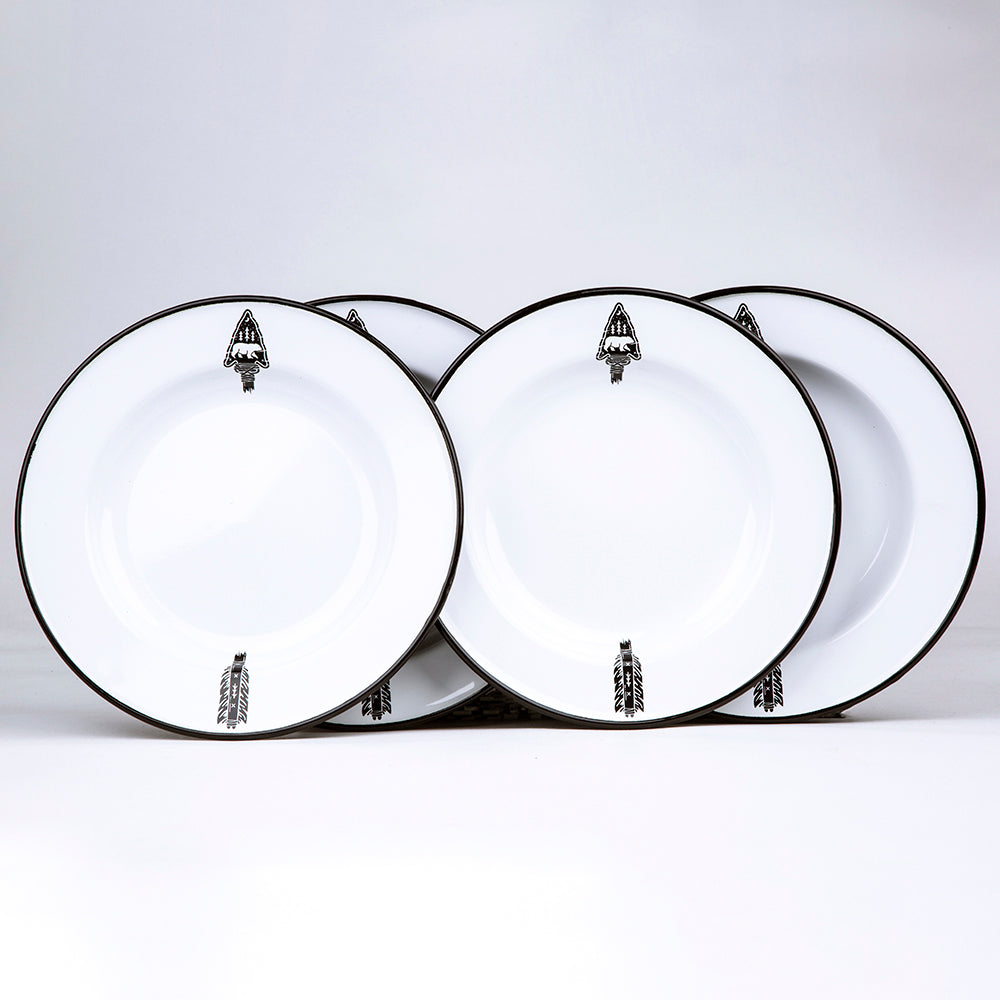 4 ENAMEL DINNER PLATES | ARROW