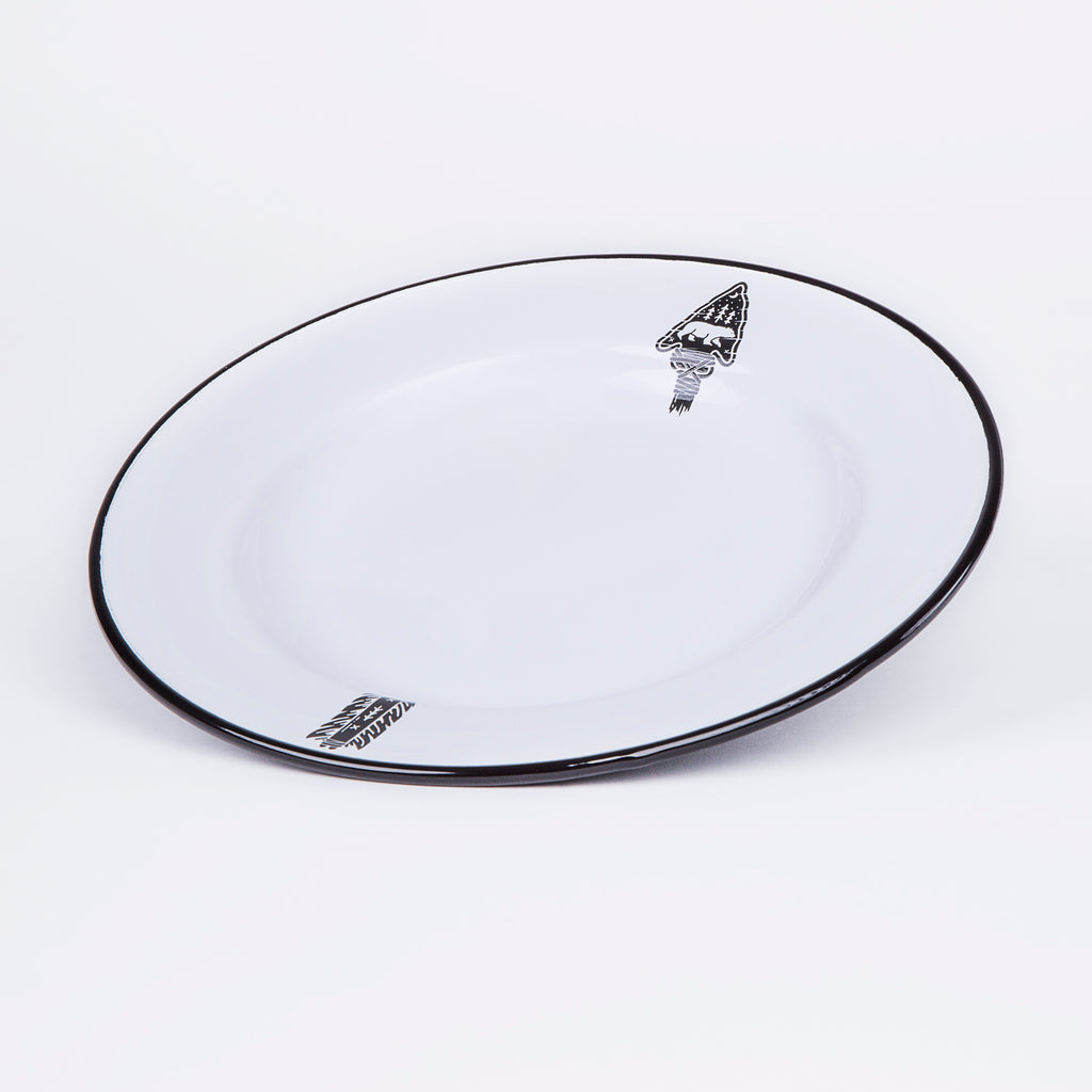 ENAMEL DINNER PLATE | ARROW