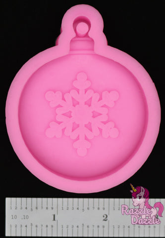 Round Ornament with Snowflake Mold