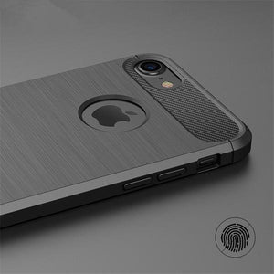 Coque reproduction carbone brossé anti traces d'empreintes pour iPhone 6 et iPhone 6S