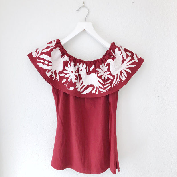 Off-the-Shoulder Otomi Blouse (Maroon/White)