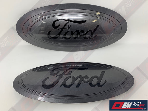 2017-2019 Ford Genuine Parts Super Duty Grille/Tailgate Oval Set - Gloss Magnetic (J7)/ Ford Script Gloss Black (UA)