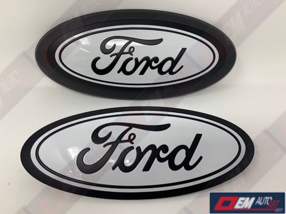 2015+ Ford Genuine Parts F-150 Custom Painted Grille & Tailgate Oval- Flat Black/ Gloss Oxford White (YZ)