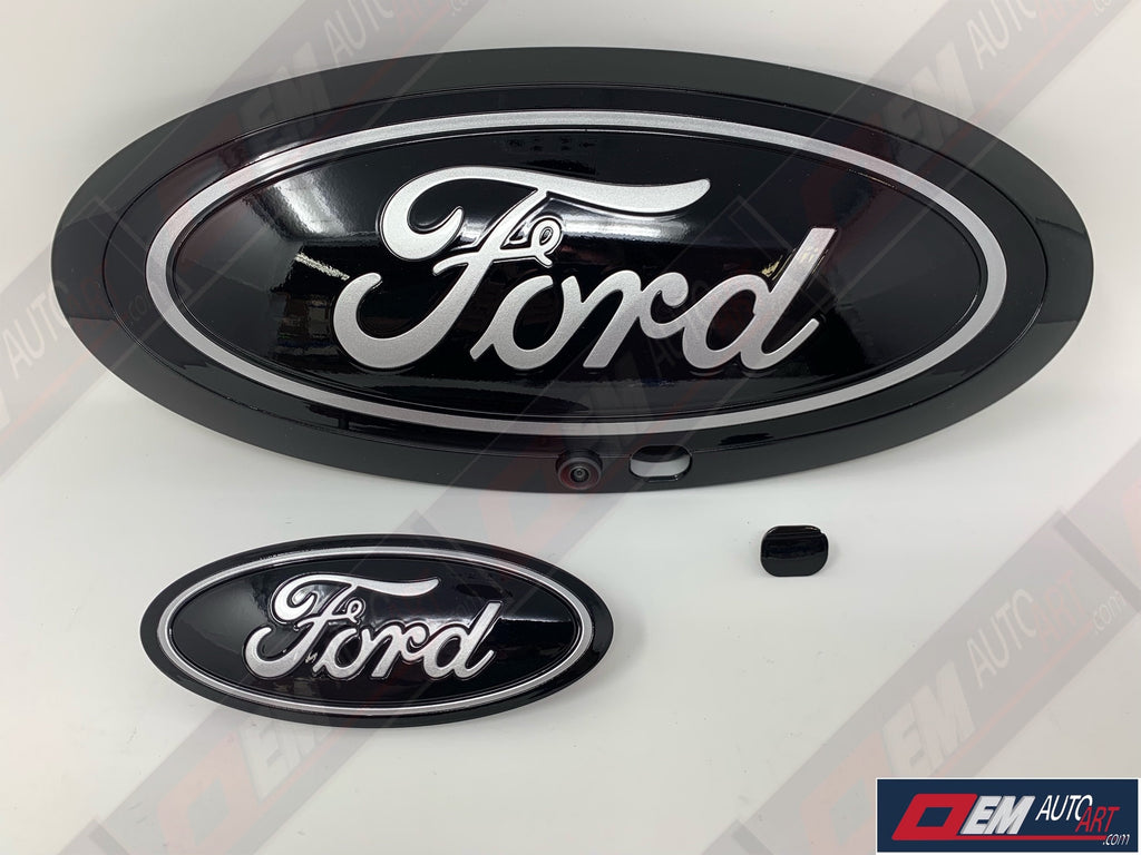 "2017-2019 Ford Genuine Parts Super Duty Grille/Tailgate Oval Set (With Camera) - Gloss Agate Black (UM) with ""FORD"" and Blue Ring in Ignot Silver (UX)"
