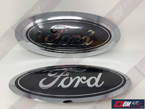 2017-2019 Ford Genuine Parts Super Duty Grille/Tailgate Oval Set - Chrome/  Gloss Magnetic (J7)