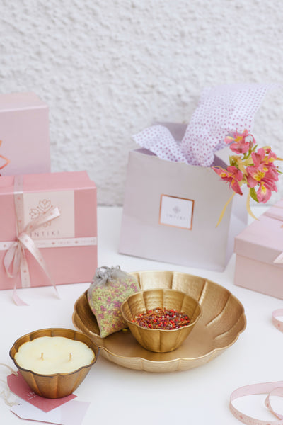 BLOOM GIFT BOX