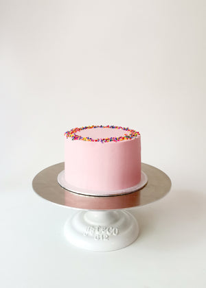 Classic Vanilla Cake by Studio Happy Story