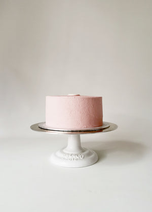 Vegan and Gluten-free Vanilla Cake by Studio Happy Story