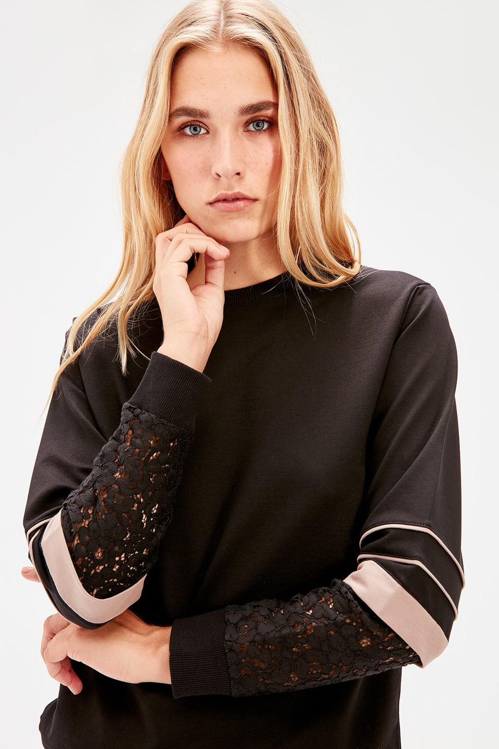 Black Ruched Knitted Sweatshirt