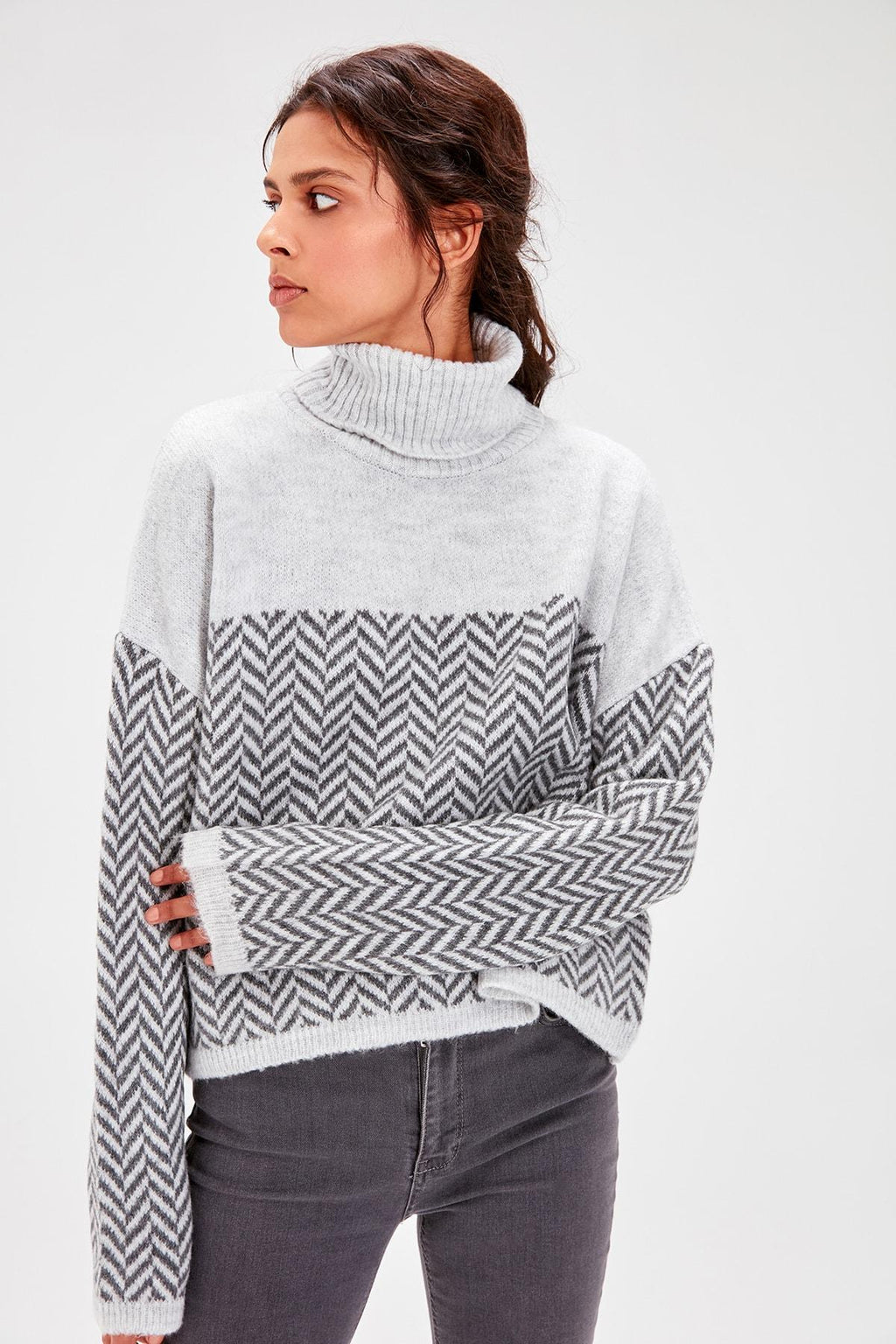 Gray Herringbone Pattern Knitwear Sweater