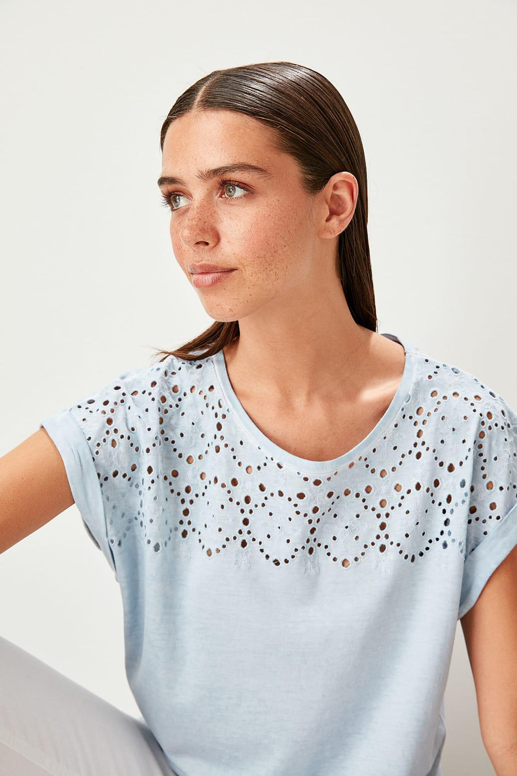 Blue Embroideries Flushing Basic Knitted T-Shirts
