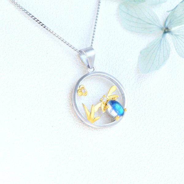 Bee Shaped Ladies Blue Moonstone Crystal Necklace Sterling Silver Pendant Necklace For Women Best