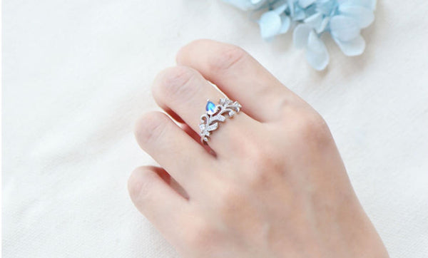 Female Blue Moonstone Engagement Ring White Gold Plated Sterling Silver Moonstone Ring For Women Chic