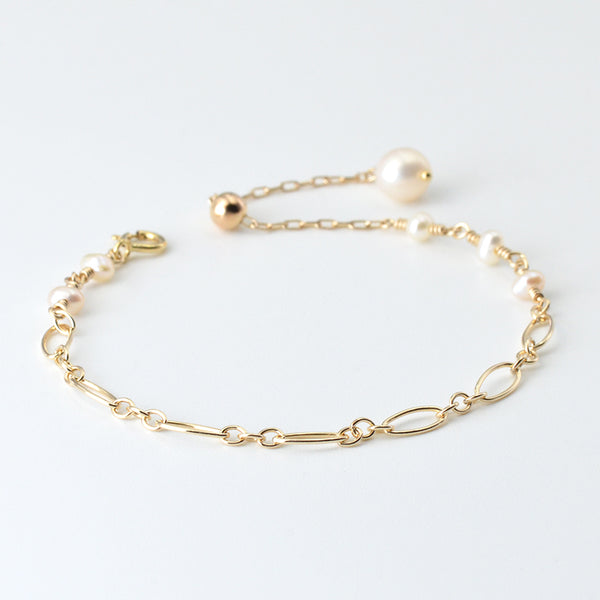 Ladies Charm 14K Gold Bracelet Cute Pearl Beaded Bracelets for Women