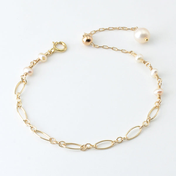 Ladies Charm 14K Gold Bracelet Cute Pearl Beaded Bracelets for Women elegant