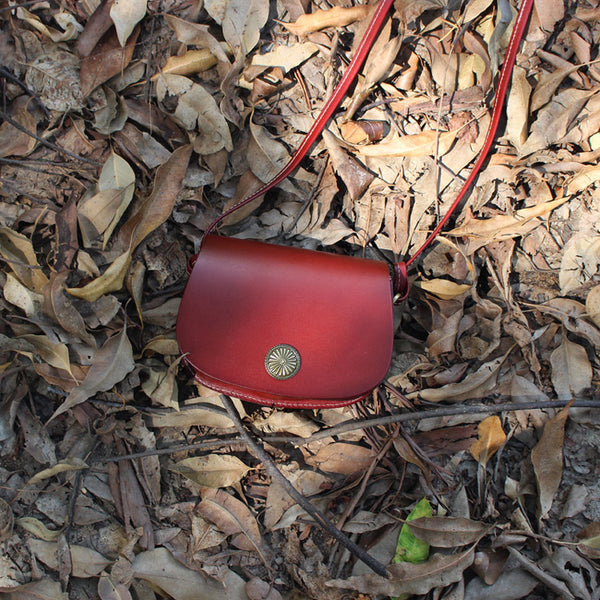 Mini Vintage Handmade Leather Saddle Crossbody Shoulder Round Bag Purses Women dark brown outside