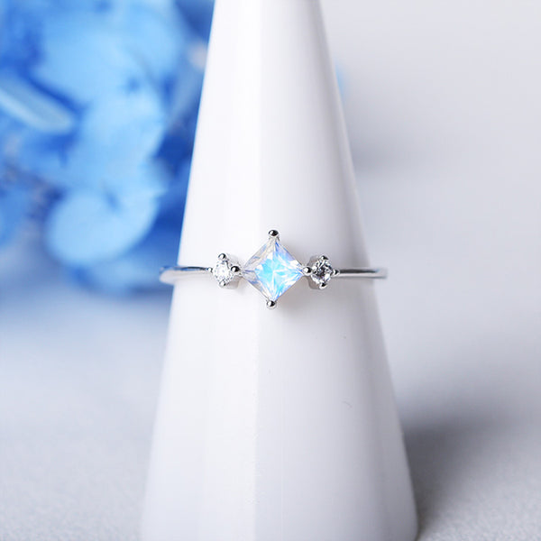 Moonstone Ring White Gold Plated Silver Engage proposal Ring Women Accessories JUNE BIRTHSTONE GEMSTONE JEWELRY