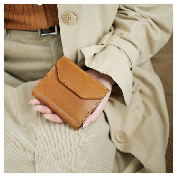 Small Women's Genuine Leather Billfold Wallet With Card Holder For Women Brown