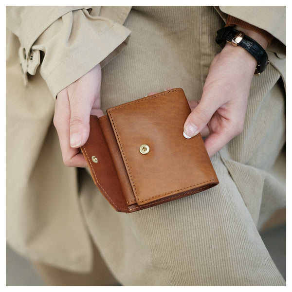 Small Women's Genuine Leather Billfold Wallet With Card Holder For Women Fashion