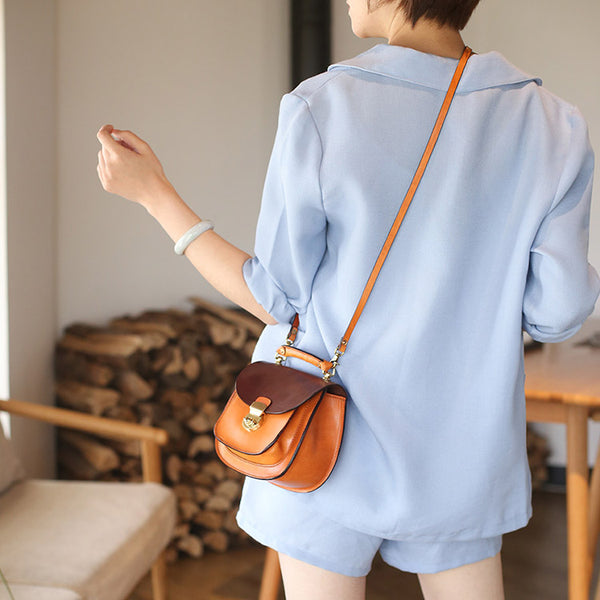 Small Womens Brown Leather Crossbody Bags Purse Over the Shoulder Bags for Women Details