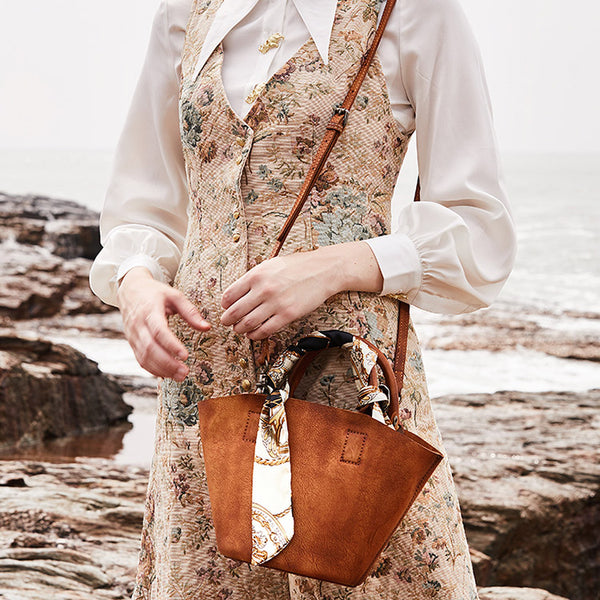 Vintage Leather Bucket Bag Designer Crossbody Bags Purse for Women Details