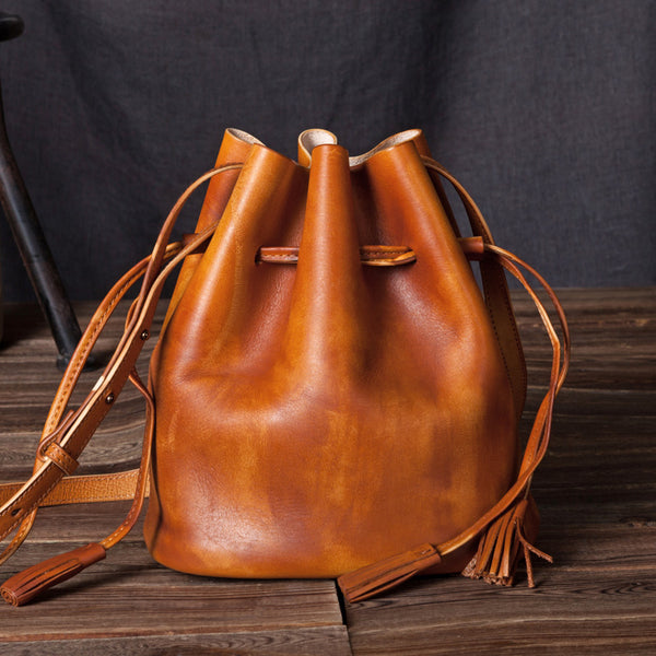 Vintage Womens Brown Leather Bucket Bag