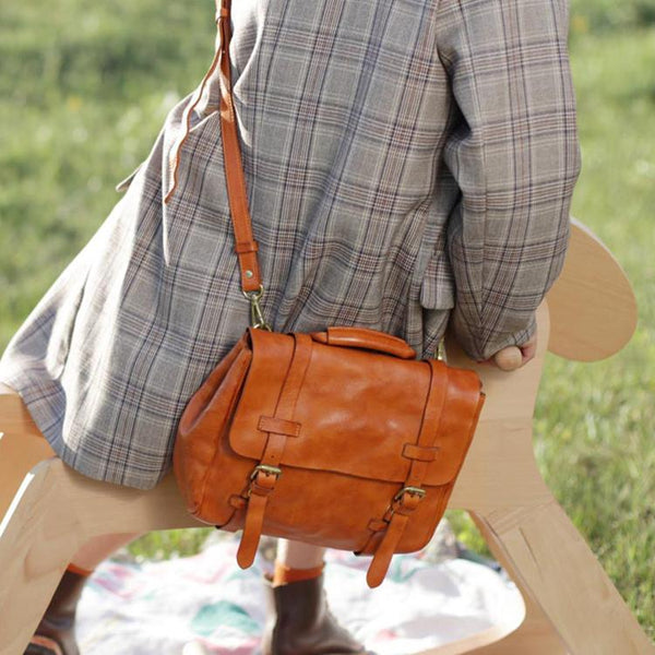 Vintage Womens Brown Leather Crossbody Messenger Bags Satchel Bag Purse for Women Beautiful