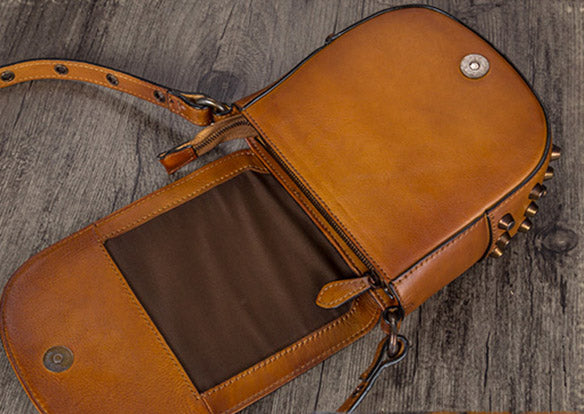 Vintage Womens Tan Leather Crossbody Saddle Bag Small Satchel Purse for Women Details